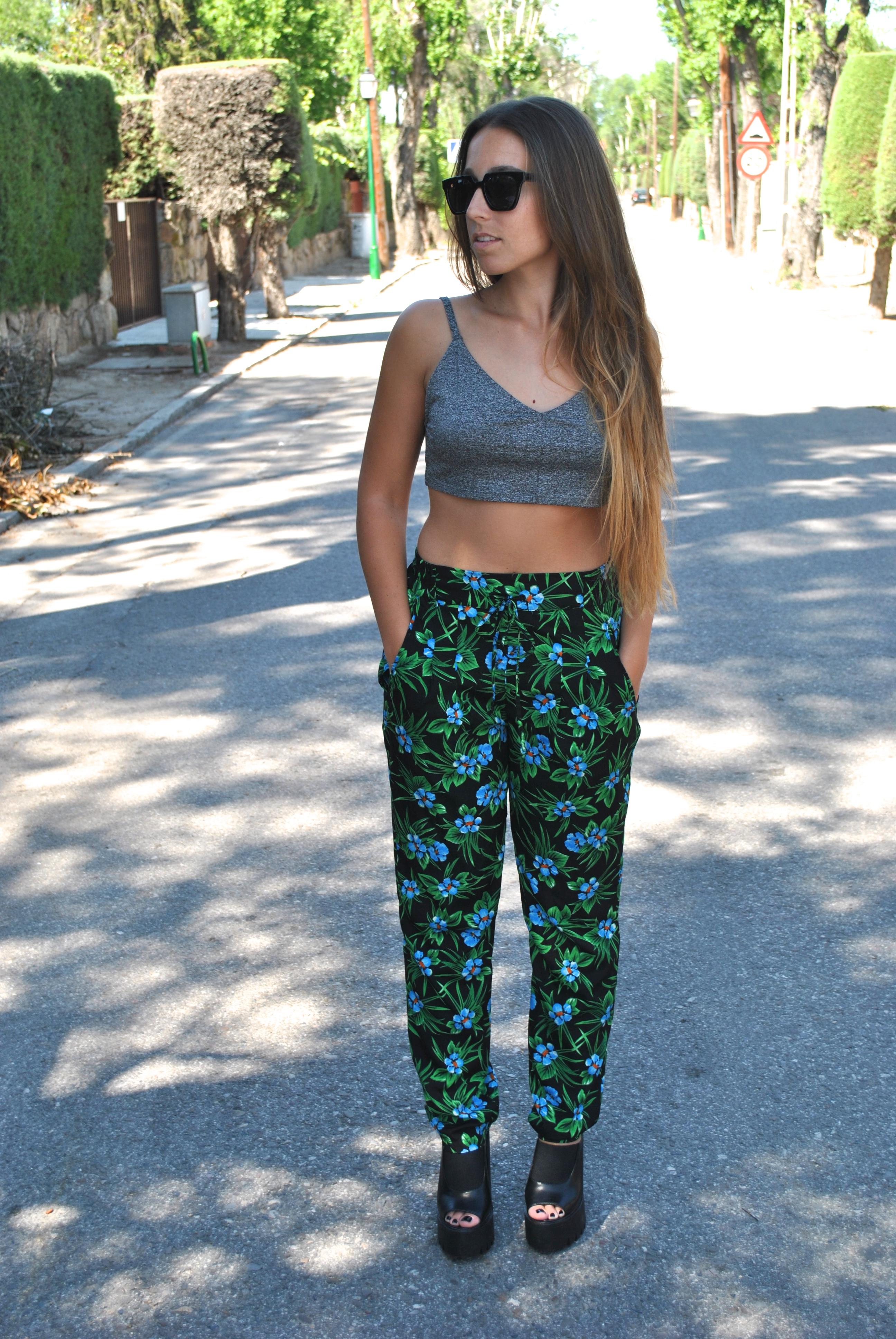 crop top and loose pants