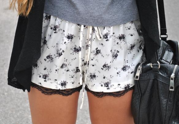 flower print shorts