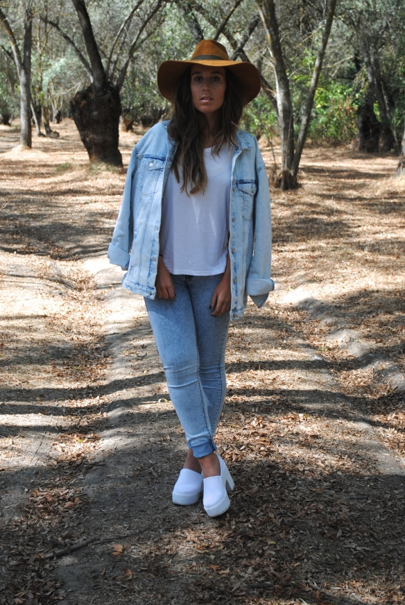 denim and white look