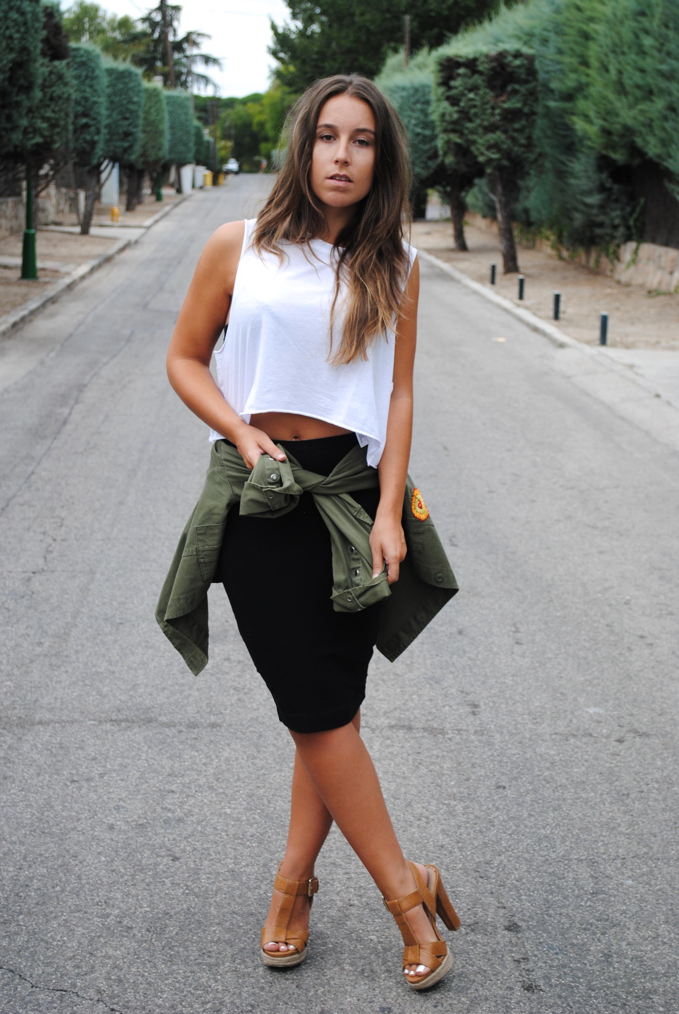 outfit falda lápiz
