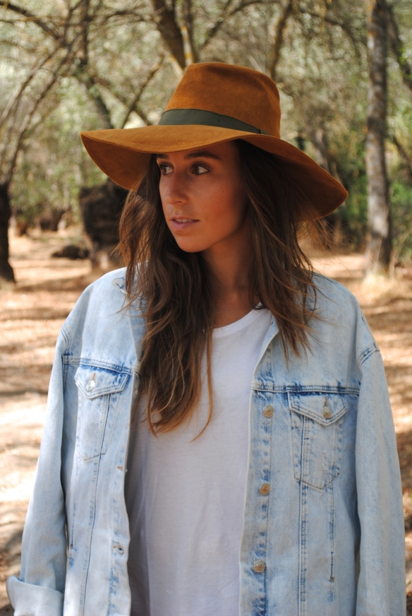 zara brown hat