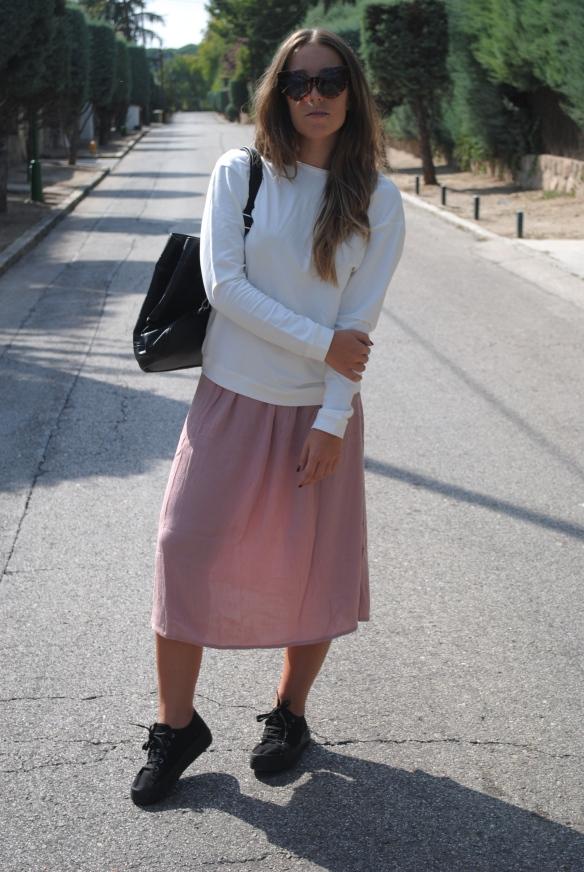 falda midi rosa apagado