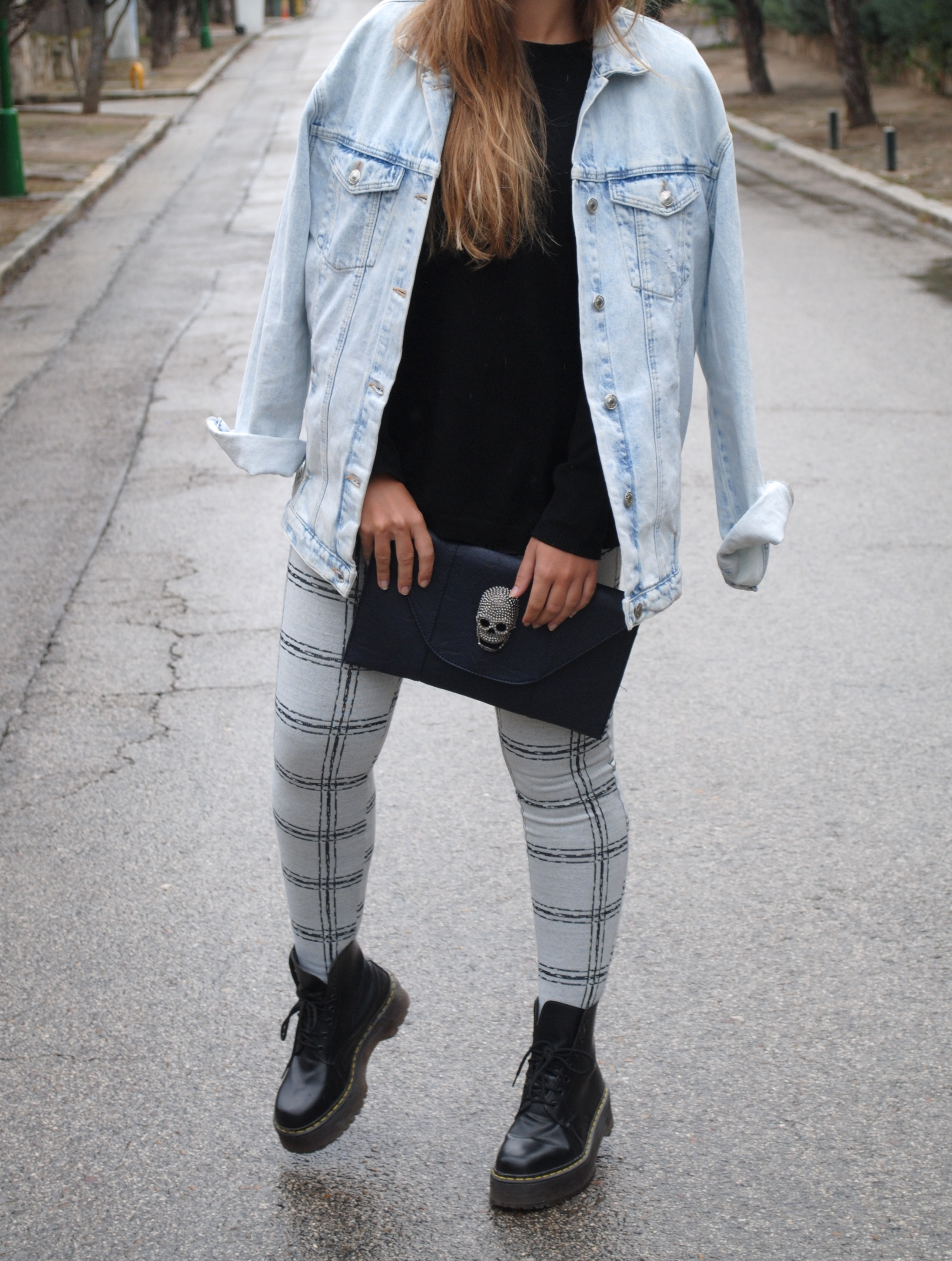 black and navy blue look