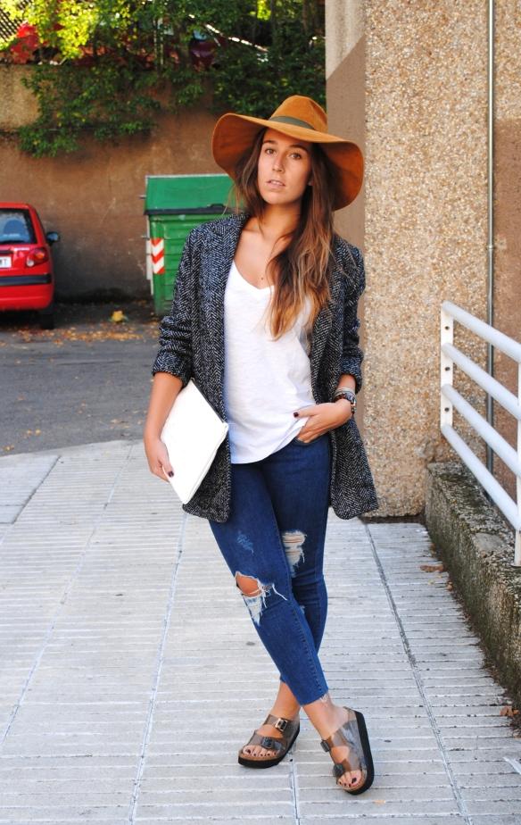 sombrero fedora marrón