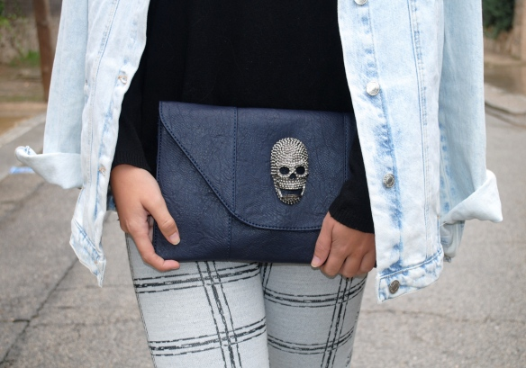 navy blue skull clutch