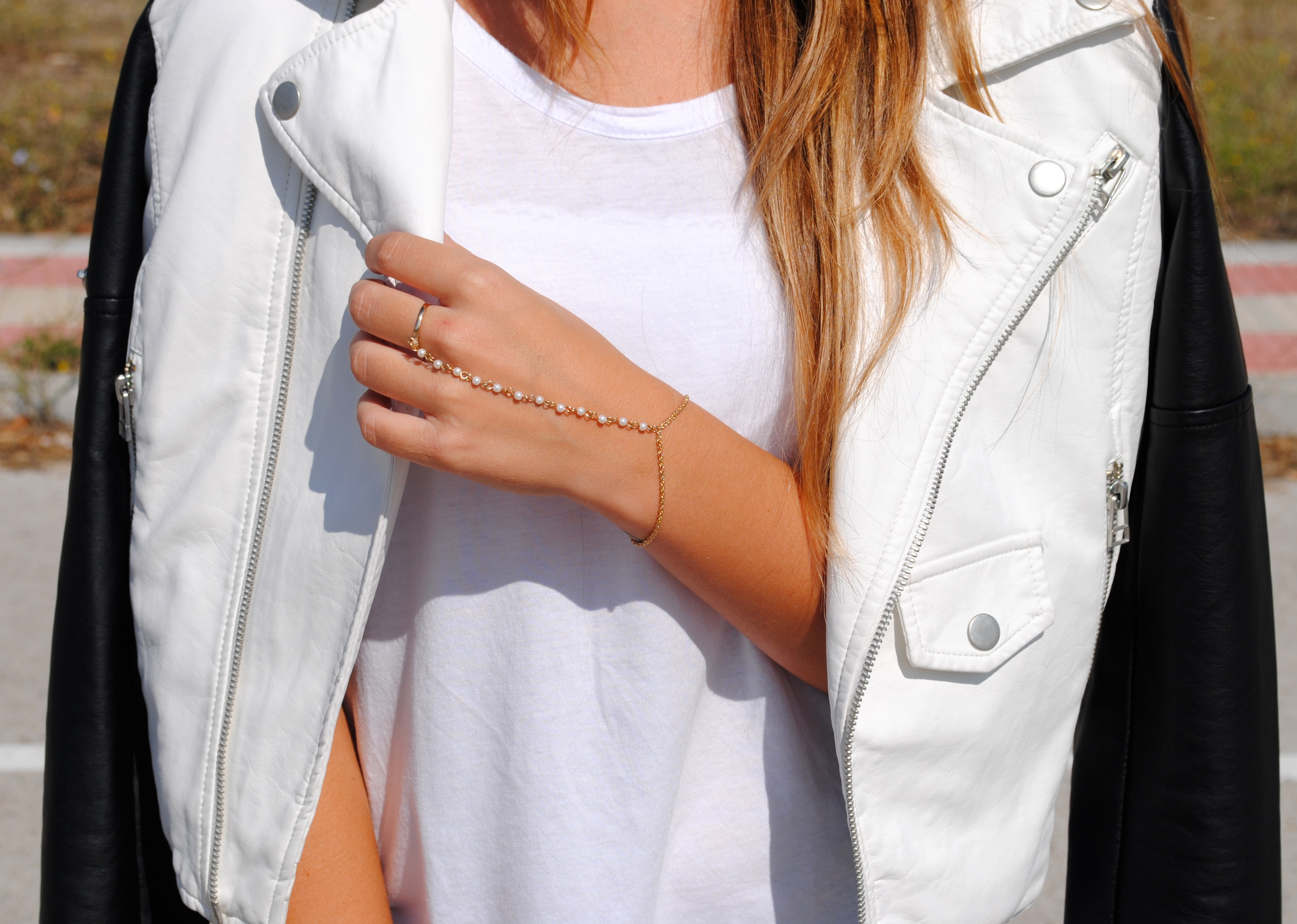 gold hand harness