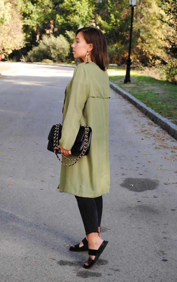 look verde khaki y negro