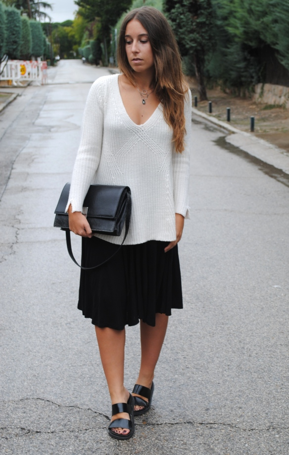 effortless monochrome outfit