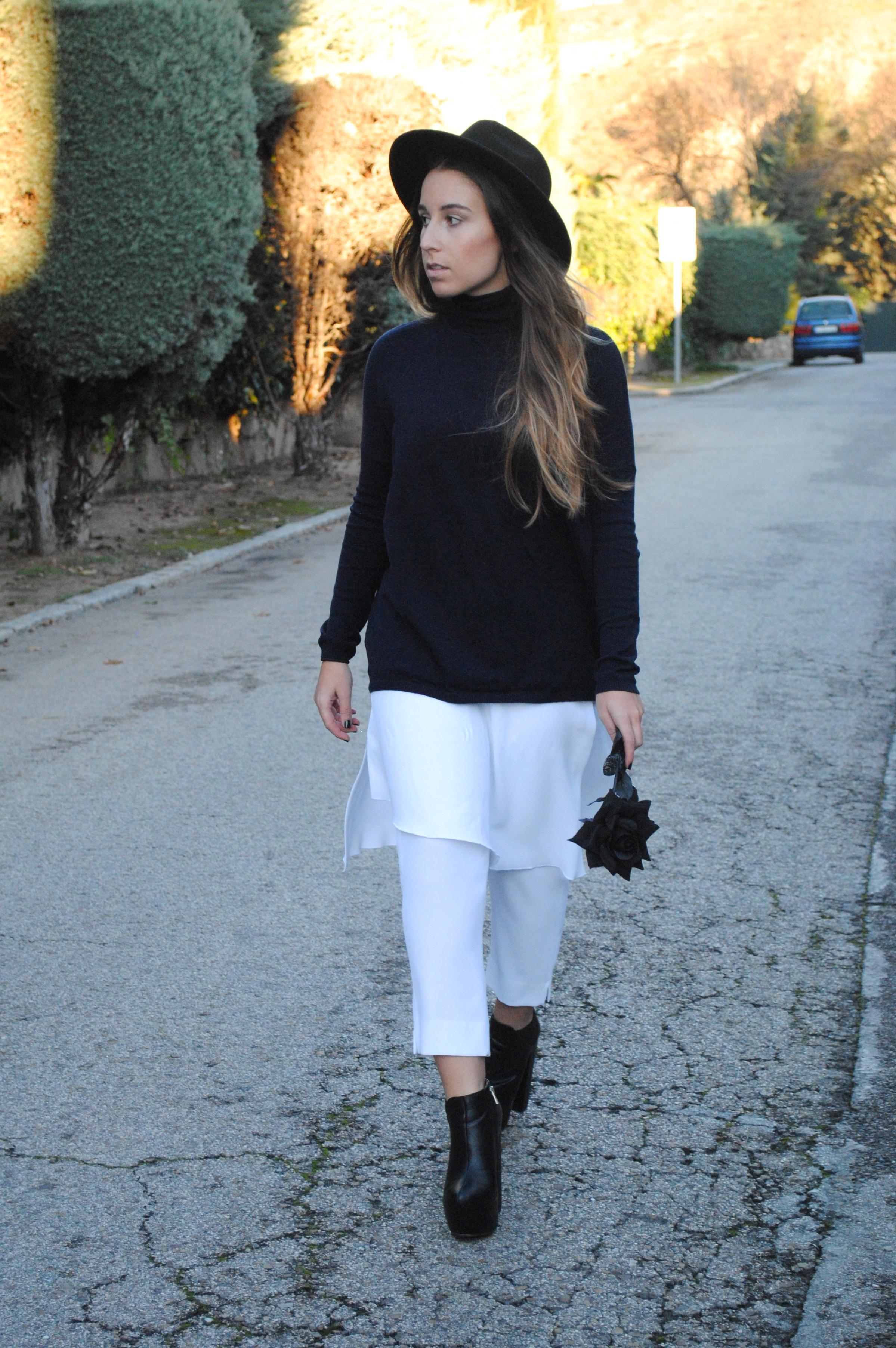 white skort pants