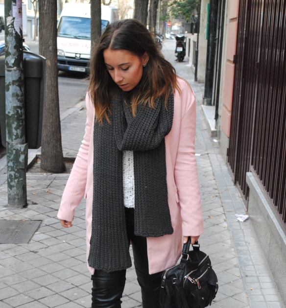 dark grey chunky scarf