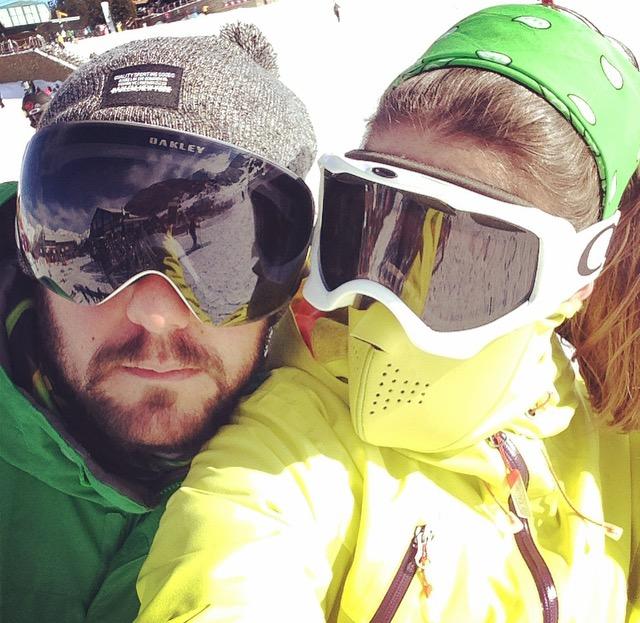 ski couple selfie