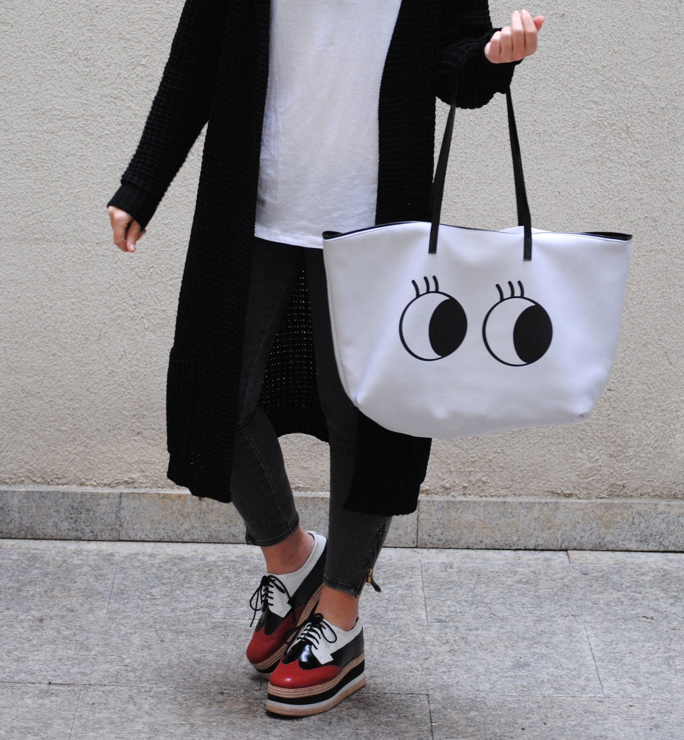 black and white shopper bag