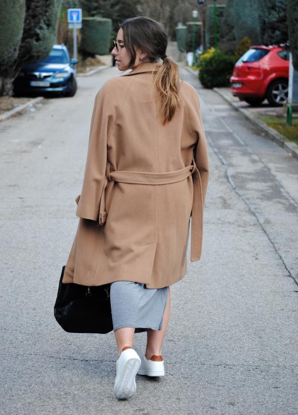 abrigo camel grande
