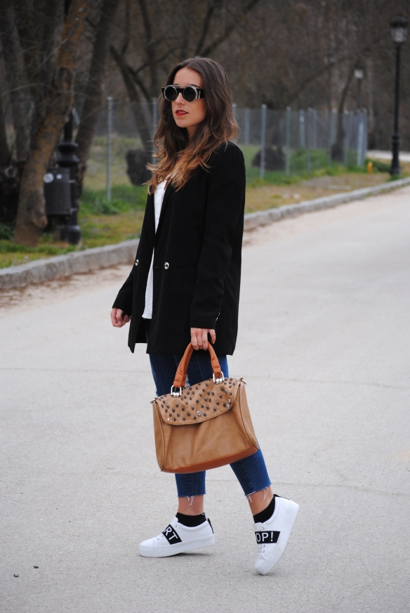 blazer and sneakers look