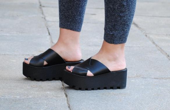 flatform black sandals