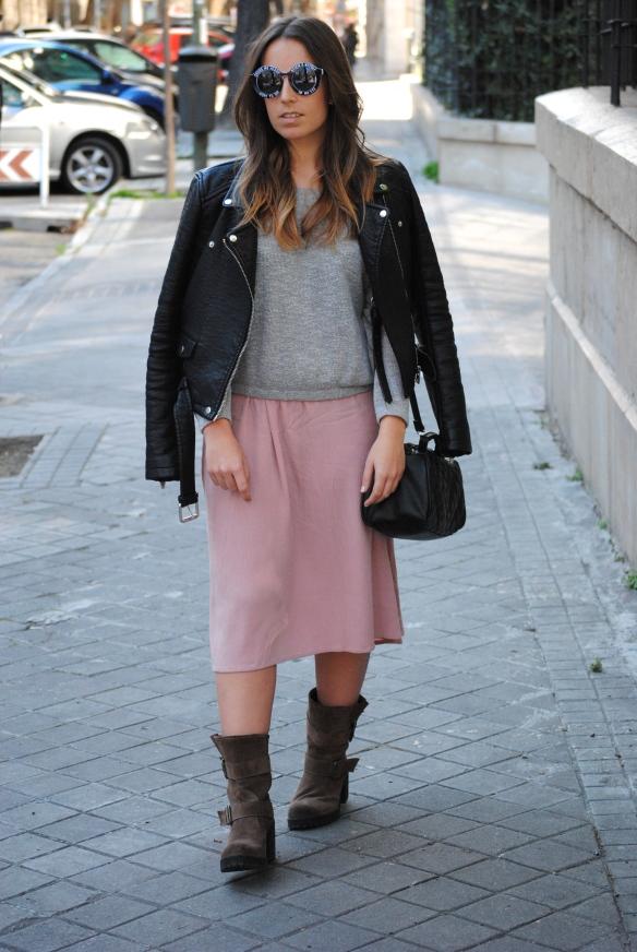 look falda midi rosa