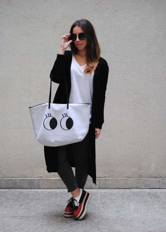 stylish ways to wear a plain white t-shirt