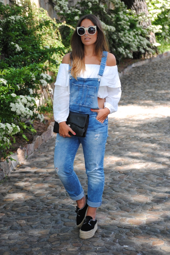denim overalls look