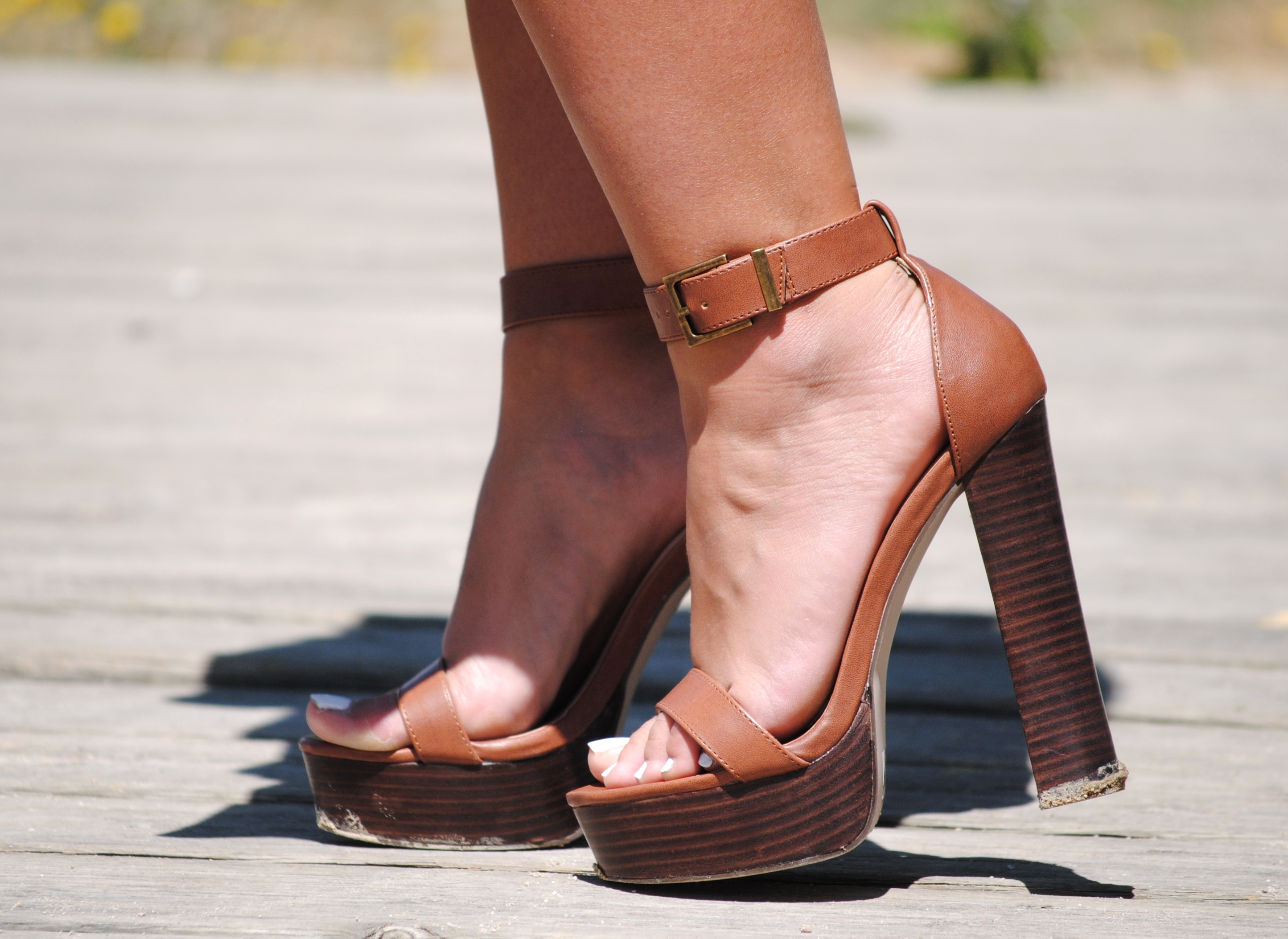 sandalias tacón marrones