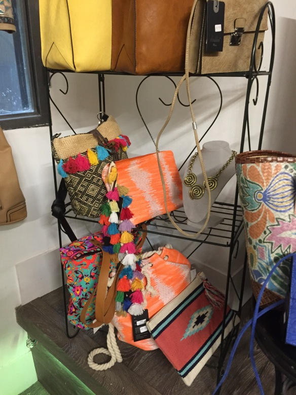 lola pons accessories