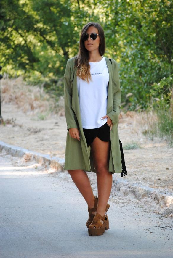 chaqueta verde khaki